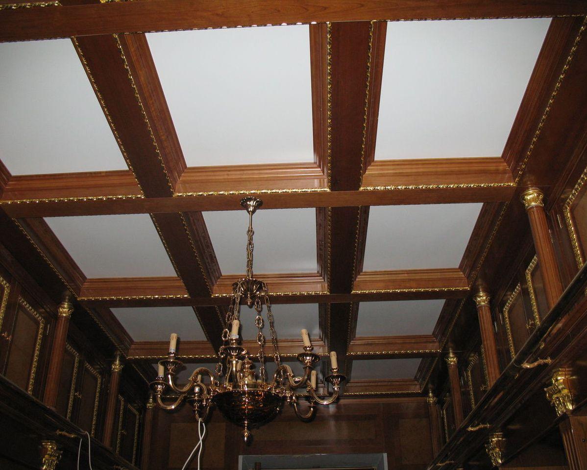 Деревянные потолки с балками фото